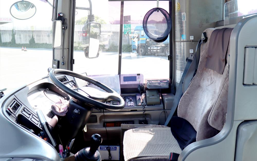 安全_運転席
